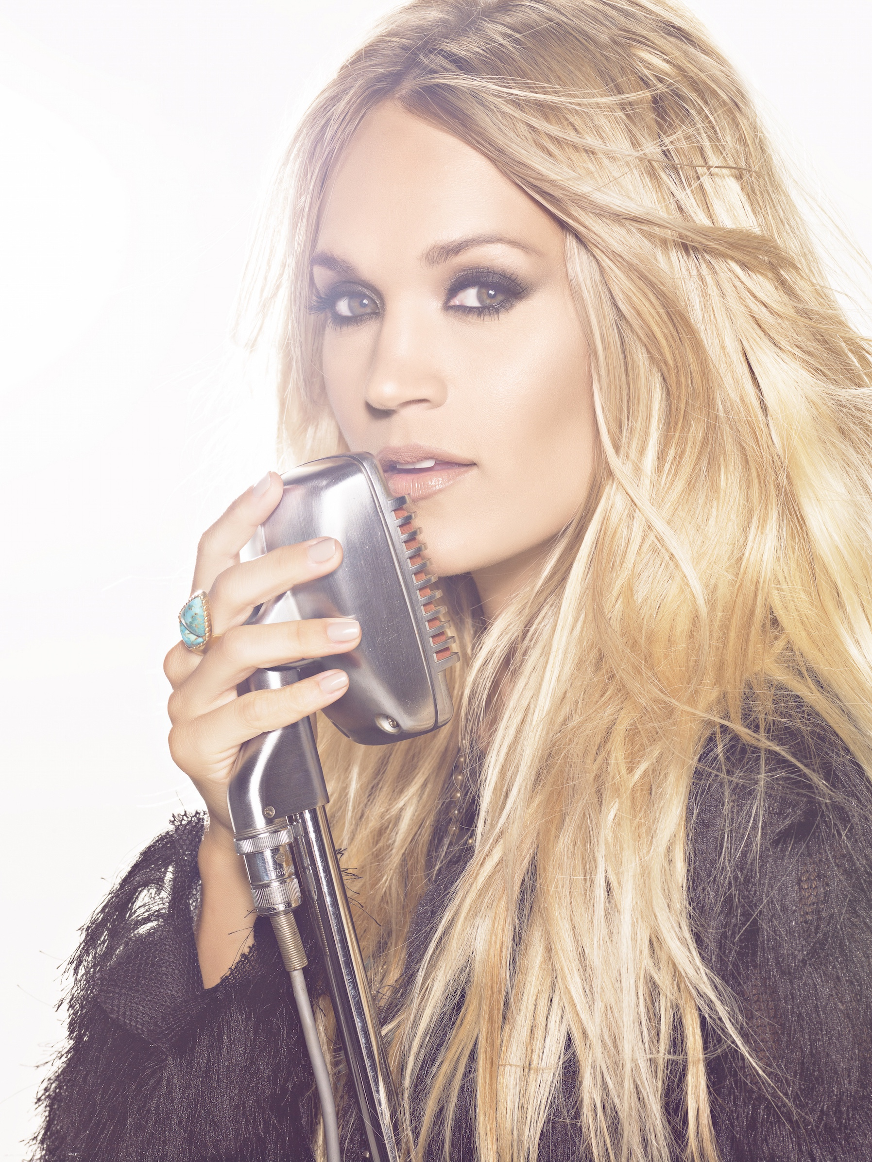 "Carrie Underwood Expands ""The Storyteller Tour"" With Additional ..."